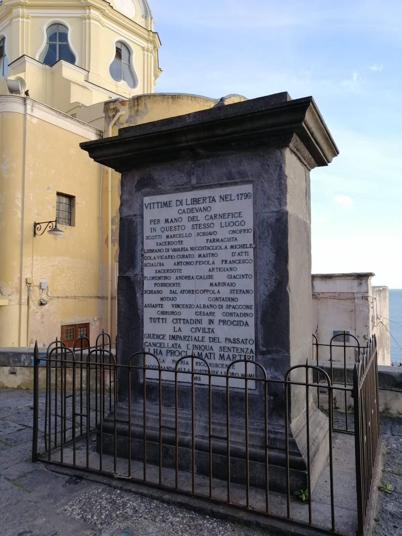 piazza dei martiri procida